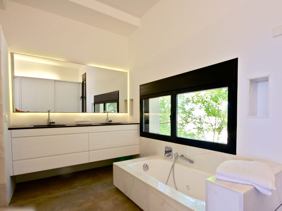 landhaus son morro mallorca firma mallorcareise sl frau elena schirmer. Black Bedroom Furniture Sets. Home Design Ideas