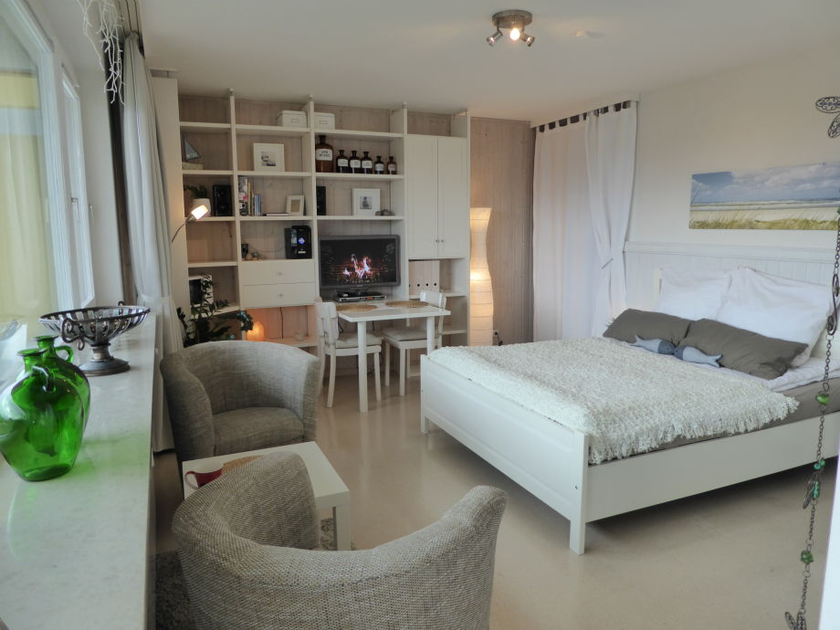 ferienwohnung seestadt studio bremerhaven nordsee bremen bremerhaven cuxhaven weserradweg. Black Bedroom Furniture Sets. Home Design Ideas