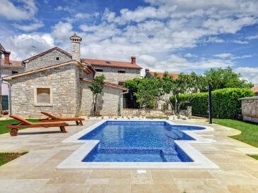 Villa 683