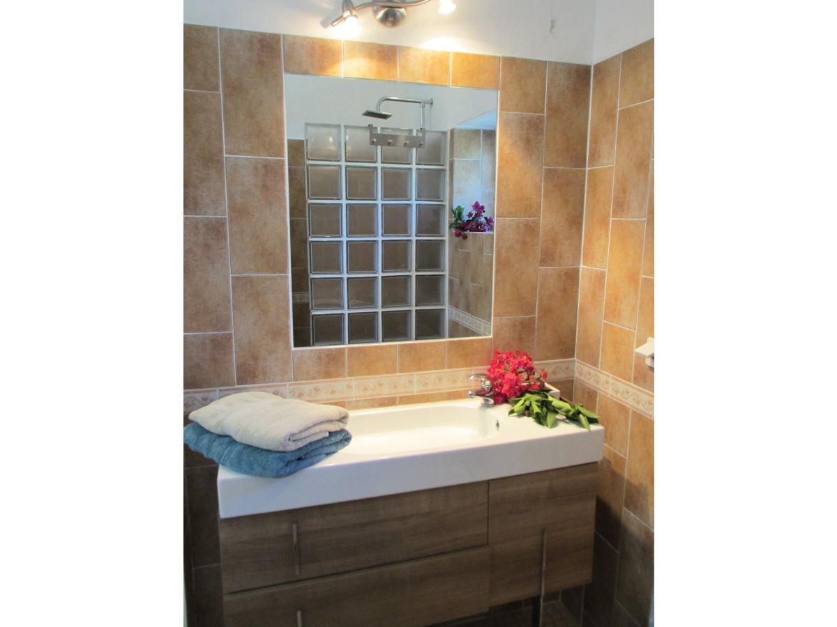 ferienhaus casa lugardos olhao moncarapacho frau elena laranjeira deutsche. Black Bedroom Furniture Sets. Home Design Ideas
