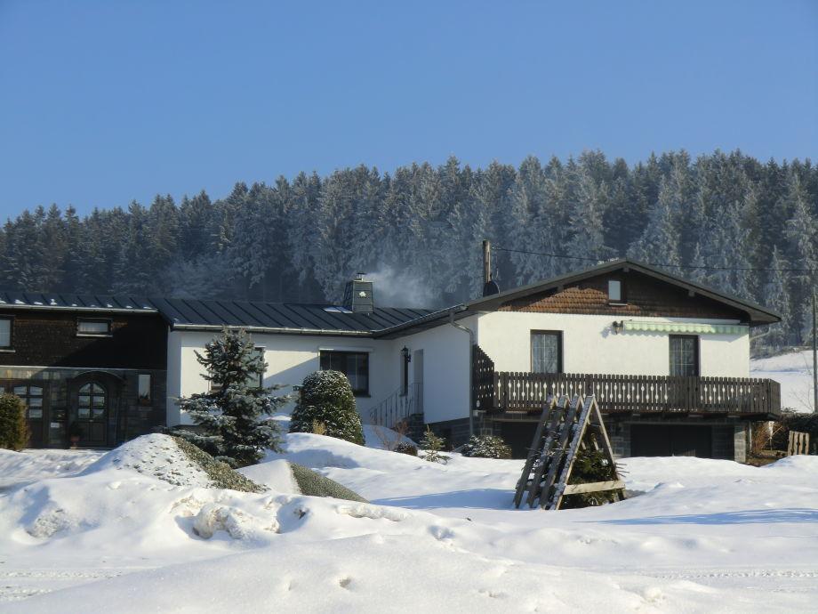 Winteransicht von Ferienhaus