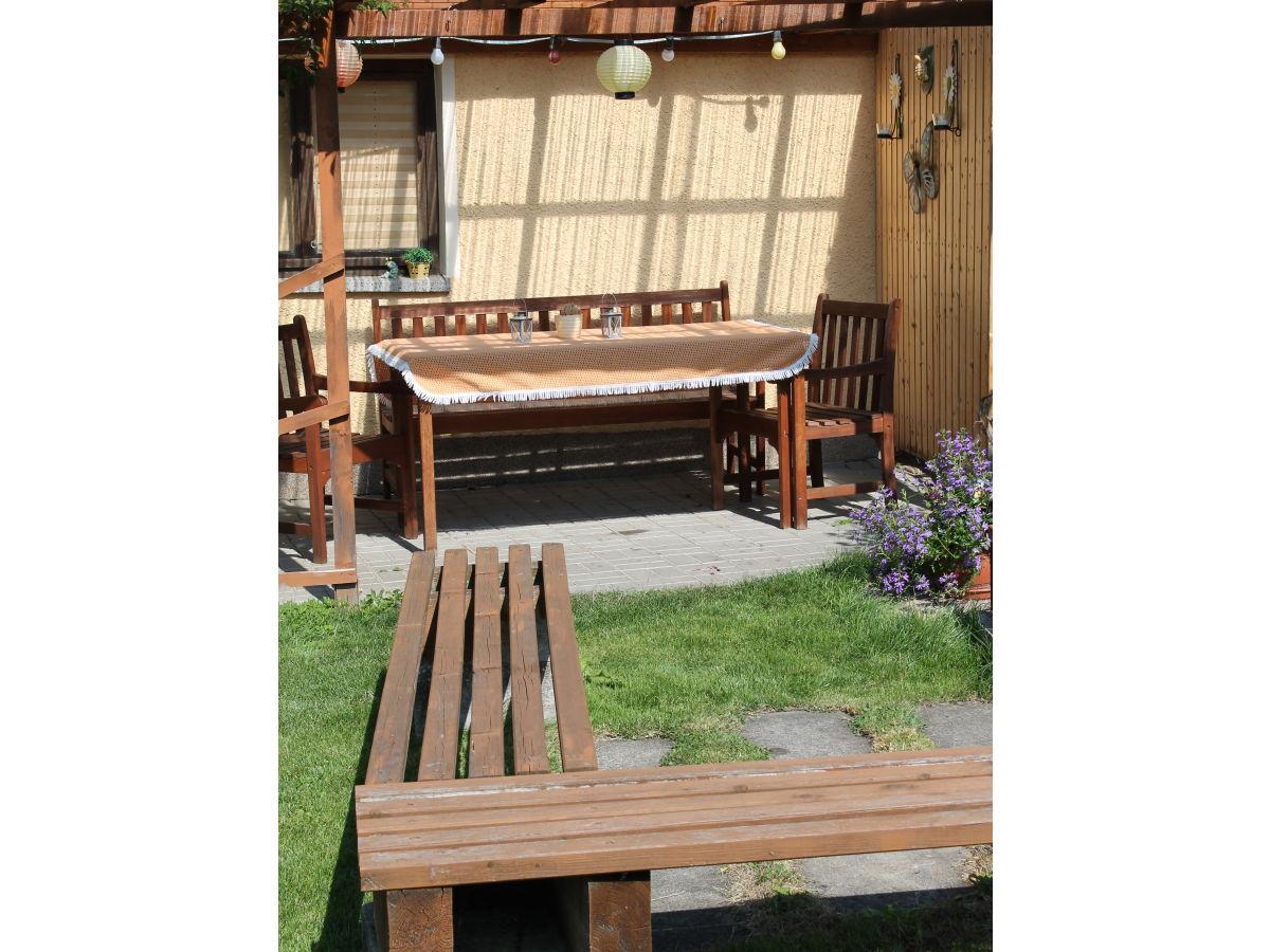 ferienwohnung scheibenberg im ferienhaus hannawald oberes erzgebirge frau manja hannawald. Black Bedroom Furniture Sets. Home Design Ideas