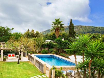 / Landhaus La Vinyeta mit Pool