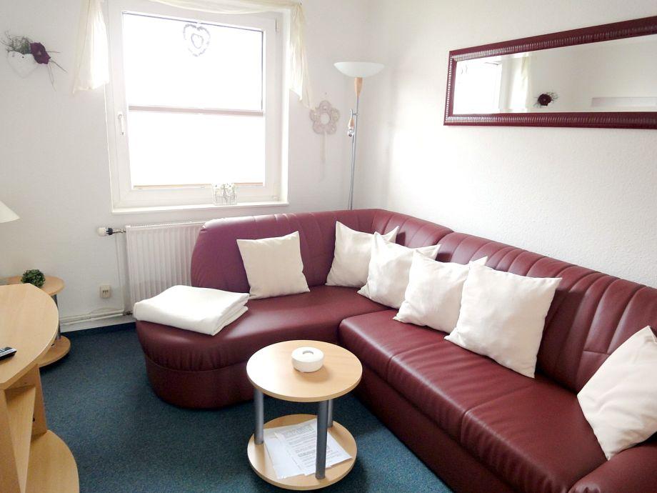 Wohnzimmer mit Rundcouchecke
