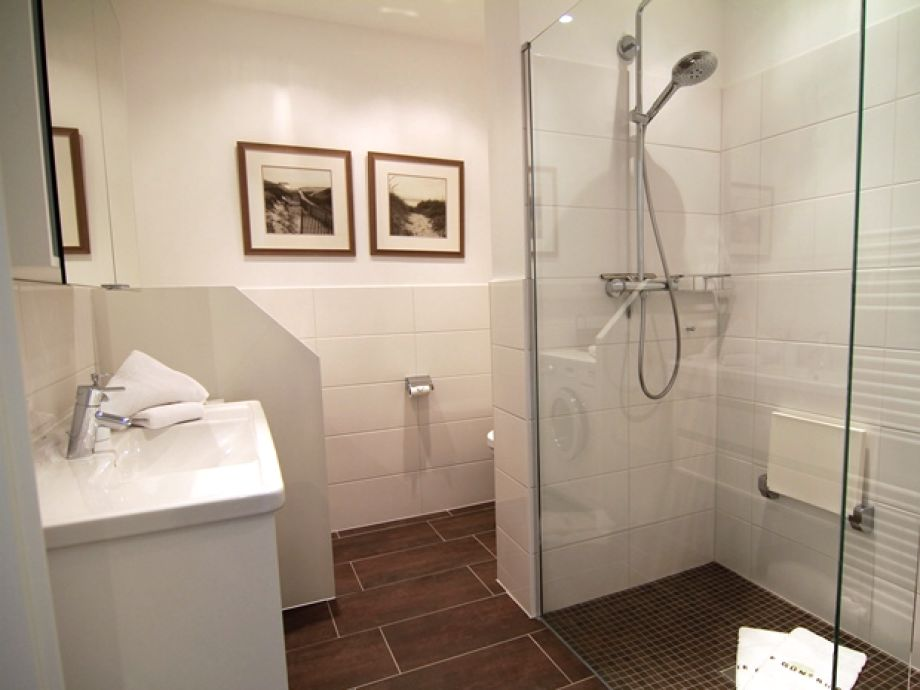ferienwohnung bomhoffstr 17 whg 18 sylt firma gb sylt gmbh herr ulrich mitza. Black Bedroom Furniture Sets. Home Design Ideas