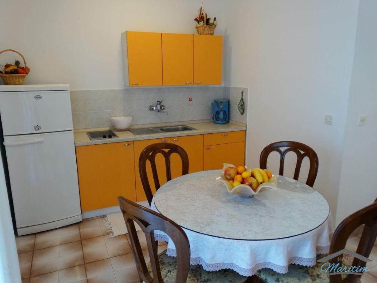 ferienwohnung liljana porec in istrien firma haus. Black Bedroom Furniture Sets. Home Design Ideas