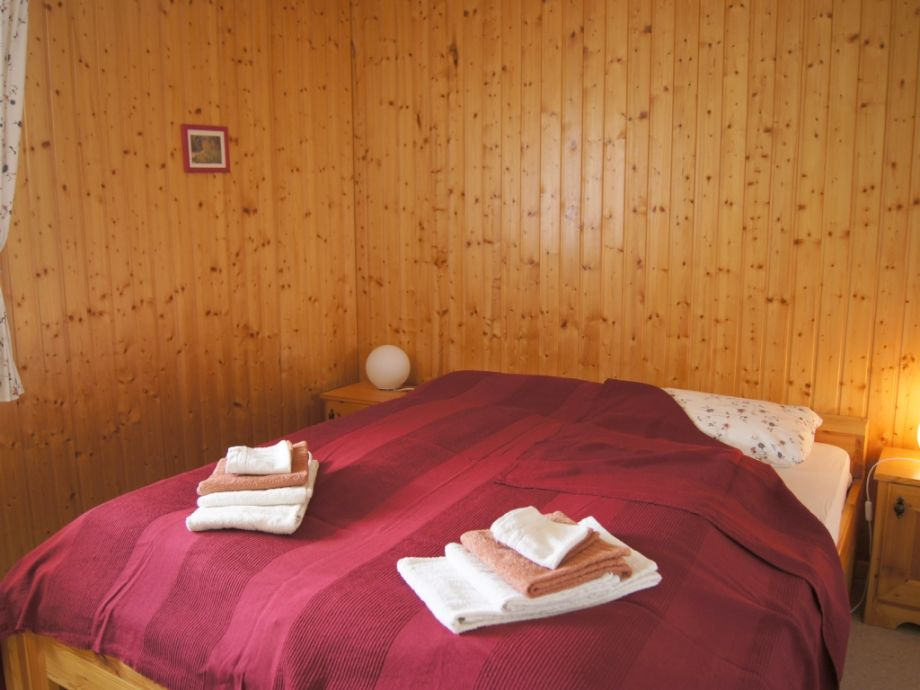 chalet carpe diem goms frau sylvia grab. Black Bedroom Furniture Sets. Home Design Ideas