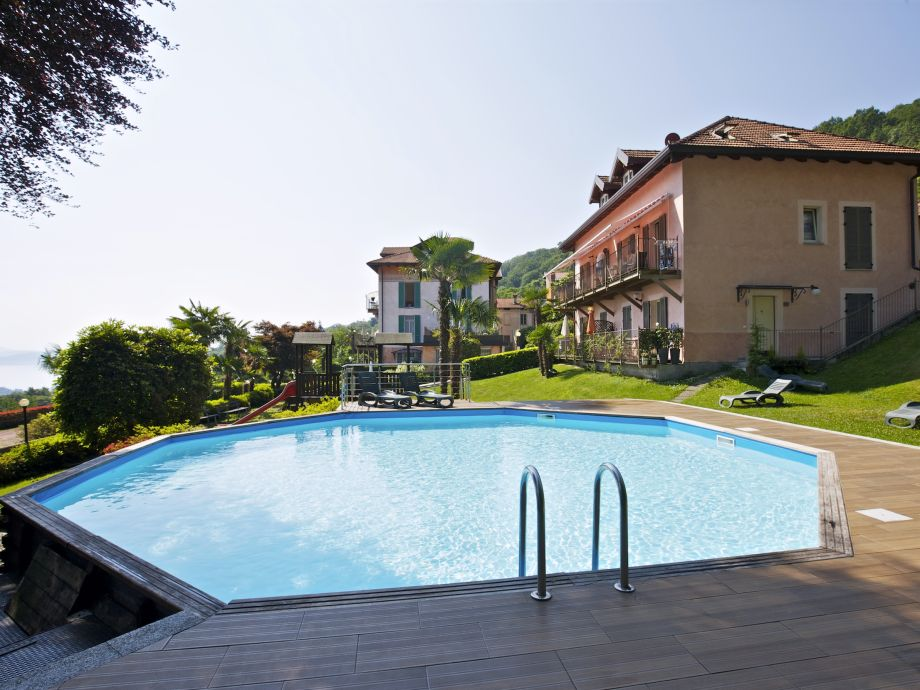 Nice pool with sunbathing lawn