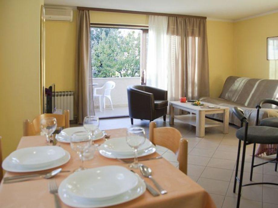 ferienwohnung poropat bozena istrien kroatien frau bo ena poropat. Black Bedroom Furniture Sets. Home Design Ideas