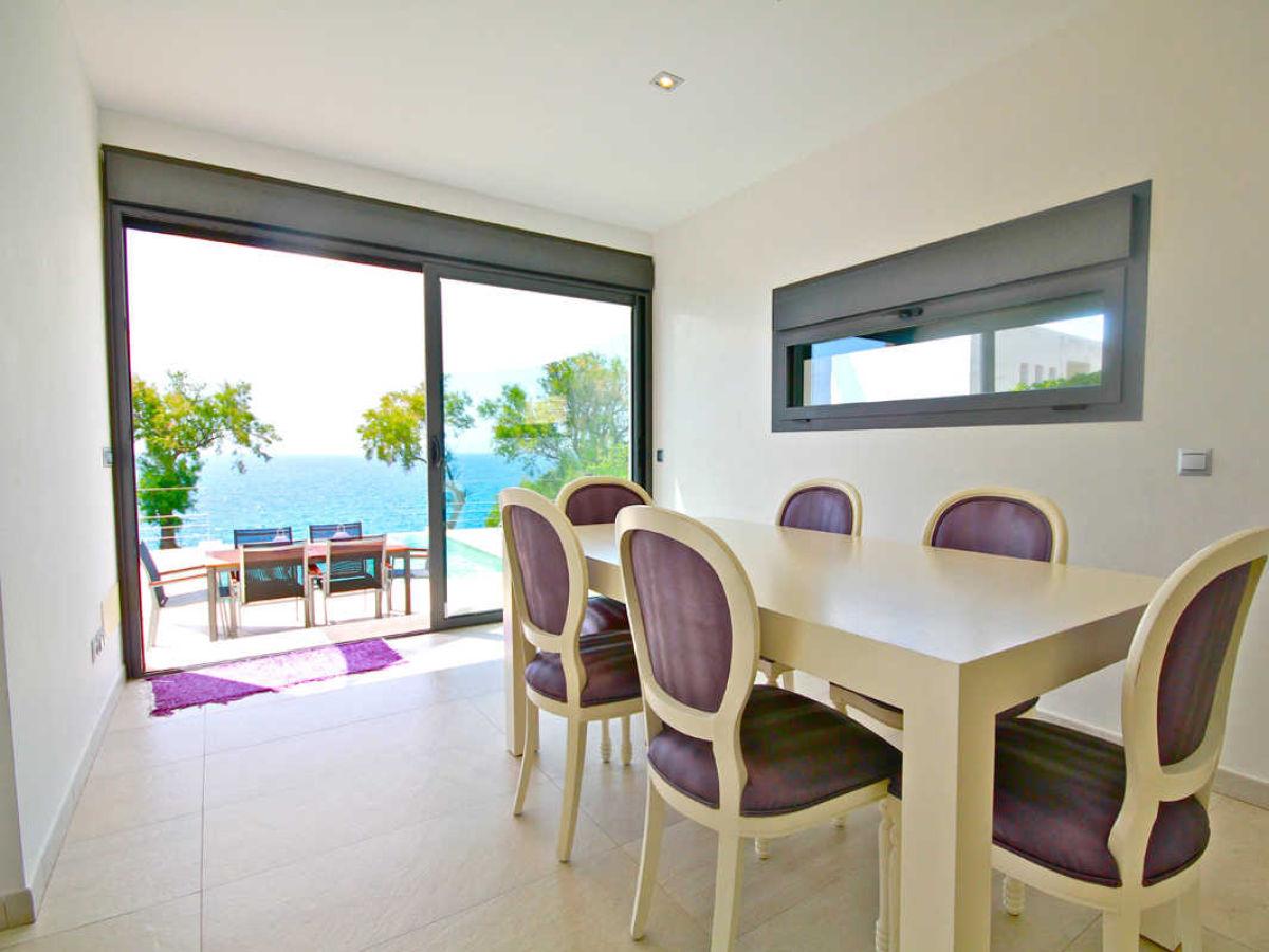 ferienhaus luxus strandhaus randemar spanien balearen. Black Bedroom Furniture Sets. Home Design Ideas