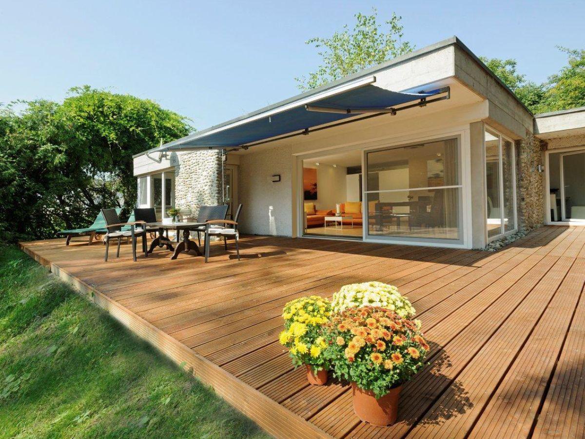 ferienhaus ein traum direkt am see gaienhofen frau sonia. Black Bedroom Furniture Sets. Home Design Ideas