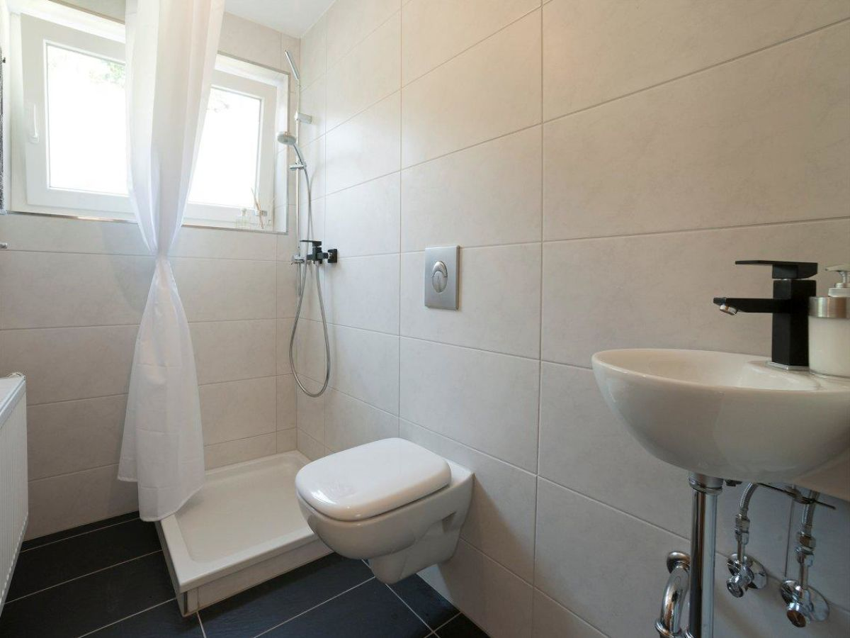 ferienhaus ein traum direkt am see bodensee h ri 78343 hemmenhofen frau sonia goretzki. Black Bedroom Furniture Sets. Home Design Ideas