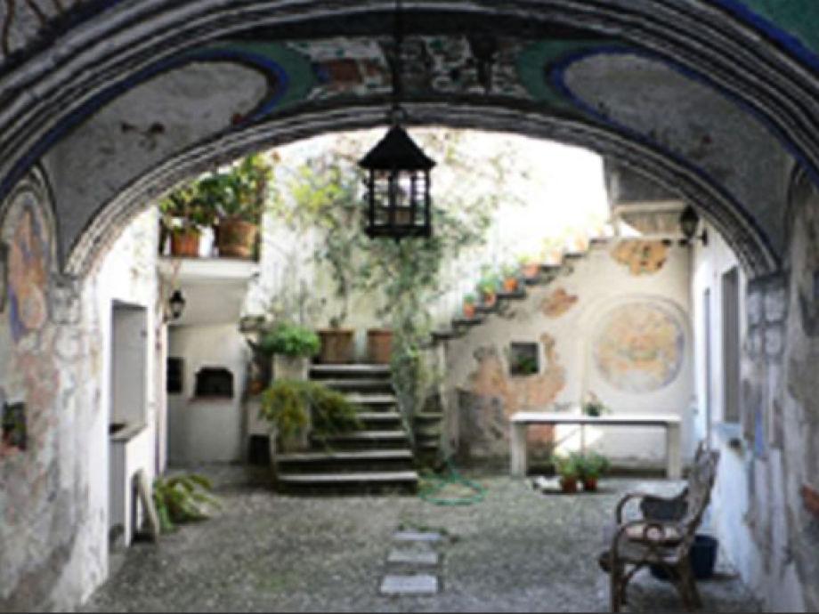 Ca. 30 m² großer idyllischer Innenhof