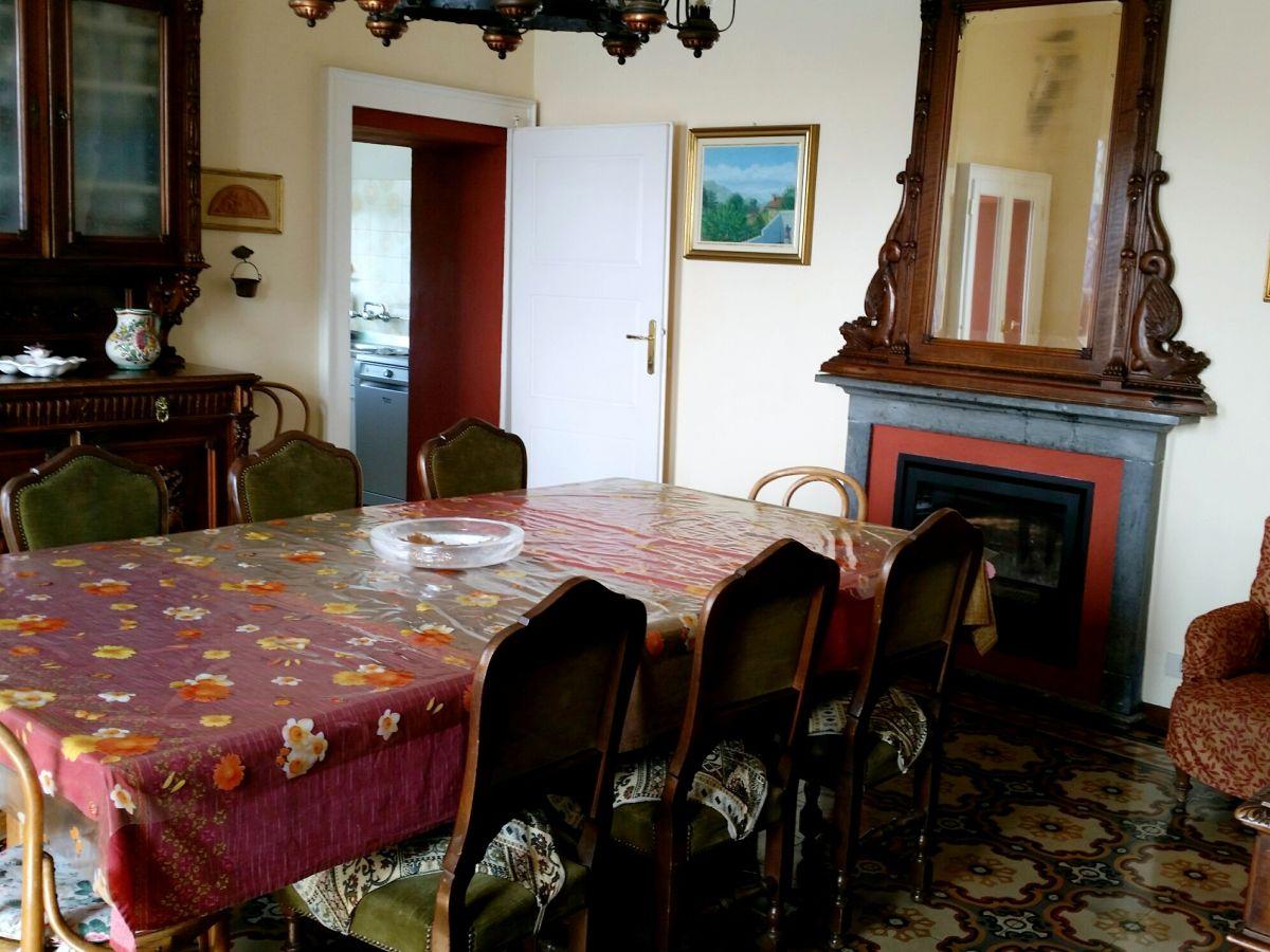 ausschnitt vom wohnzimmer mit kamin esszimmer mit kamin separate - Kamin In Der Wand Amerikanisch