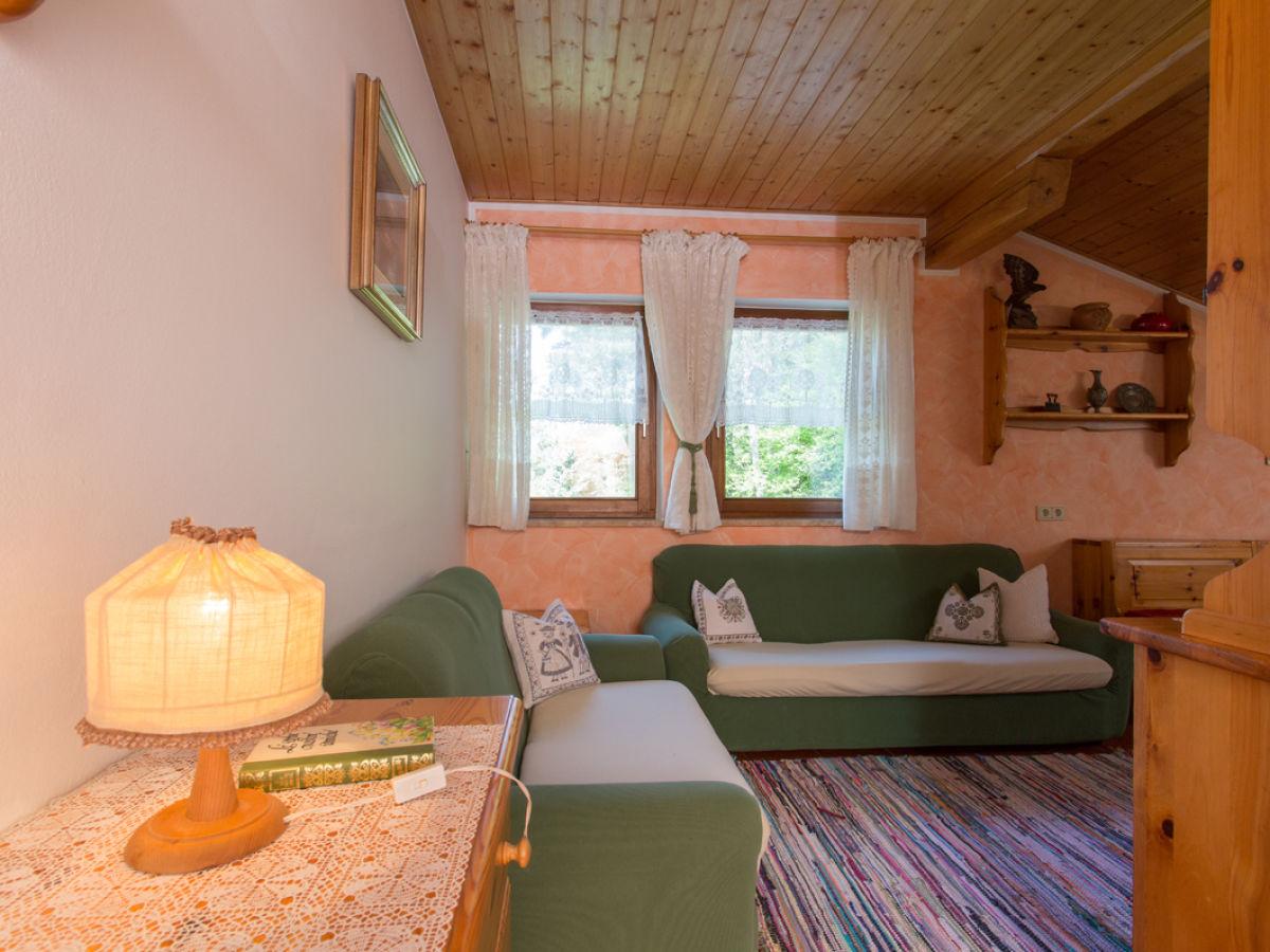 Ferienwohnung f r 4 personen vintl frau patrizia pardatscher - Wohnzimmer brunnen ...