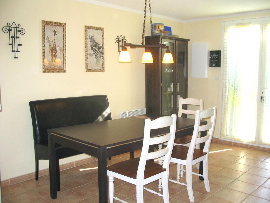 sonniges ferienhaus nur 400 m vom mittelmeer narbonne aude frau marion hudobec. Black Bedroom Furniture Sets. Home Design Ideas