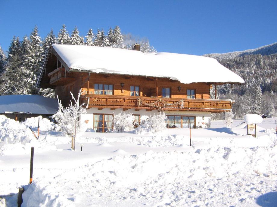 Haus Jung im Winter