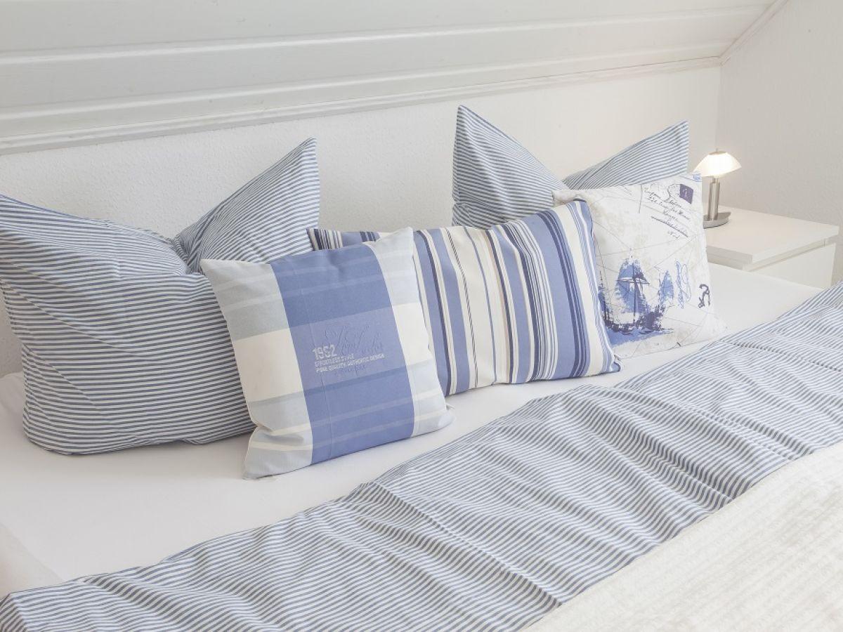 ferienhaus boddenblick insel r gen firma urlaubstraum auf r gen herr bernd herzog. Black Bedroom Furniture Sets. Home Design Ideas