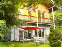 Ferienhaus in idyllischem Waldstück am Faaker See