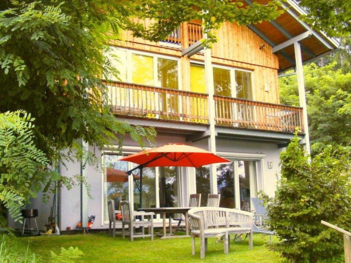 Ferienhaus in idyllischem waldst ck am faaker see faaker for Ferienhaus am see