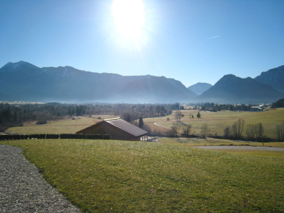 Terrasse und Garten Ferienwohnung Kienberg im Sommer