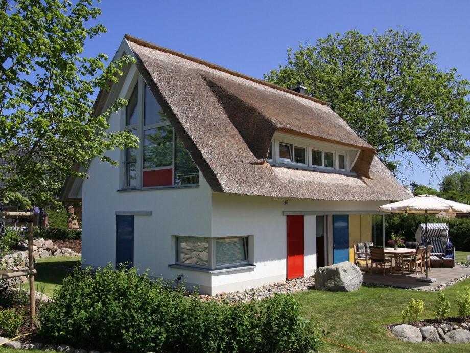 Haus Nordstrand mit Glasgiebel