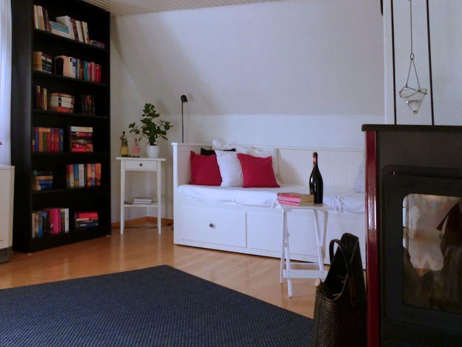 Das Sofa verwandelt sich in ein vollwertiges Doppelbett