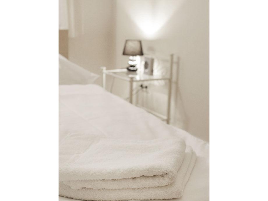 ferienwohnung altbauwohnung beletage berlin mitte herr jens marquardt. Black Bedroom Furniture Sets. Home Design Ideas