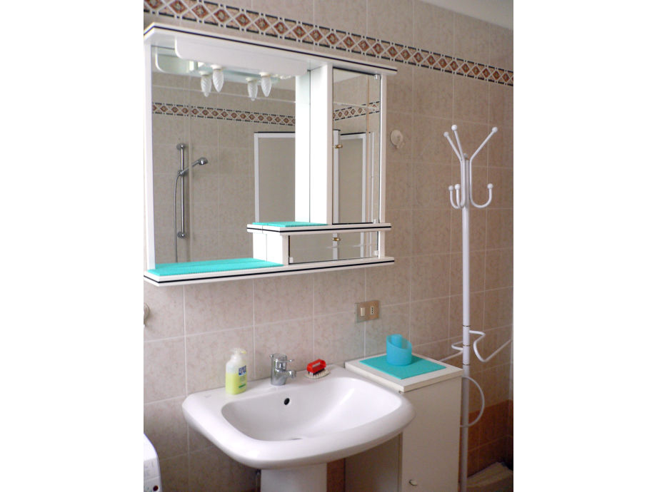 ferienwohnung panoramica 1 toskana guardistallo frau angela beckert. Black Bedroom Furniture Sets. Home Design Ideas