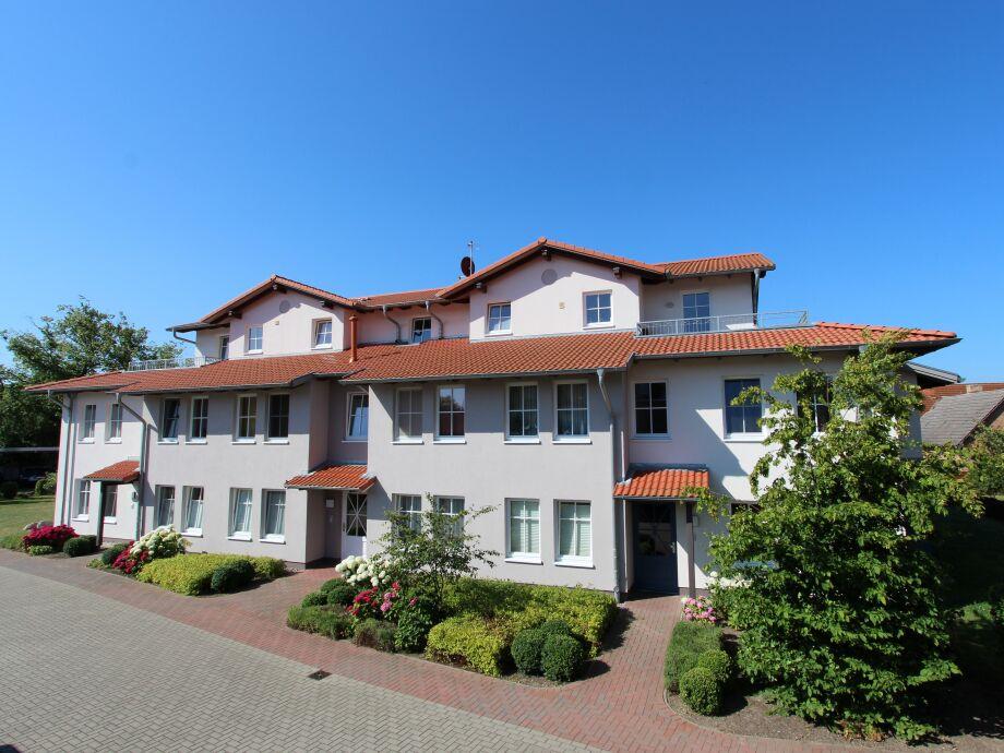 Haus und Grundstück Frontansicht