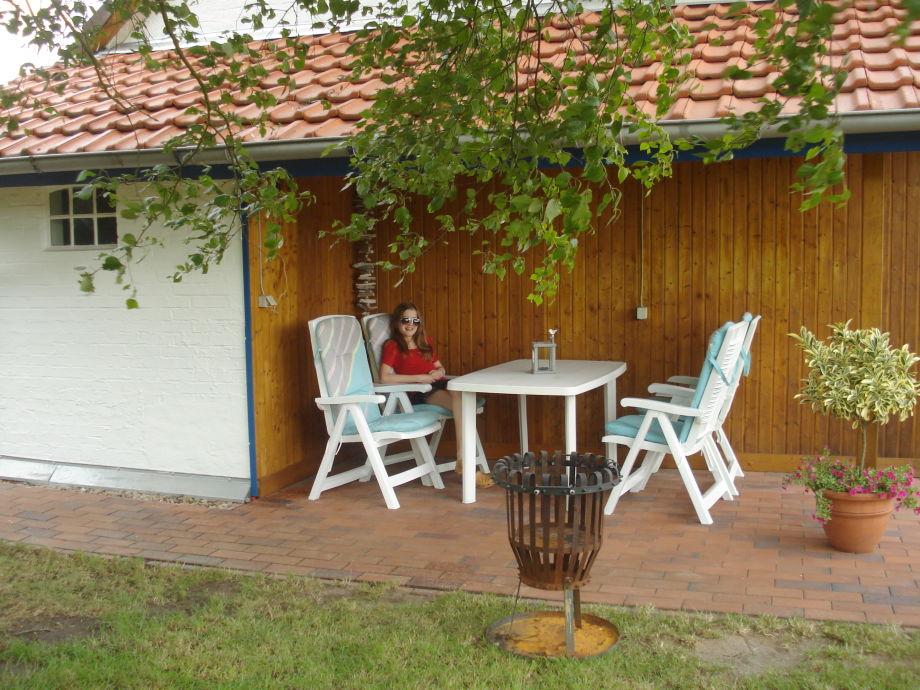 ferienhaus hof grafel haus am teich frau anke storch. Black Bedroom Furniture Sets. Home Design Ideas