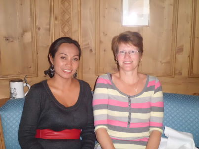 Your host  Janet Volz und Bärbel Ochs