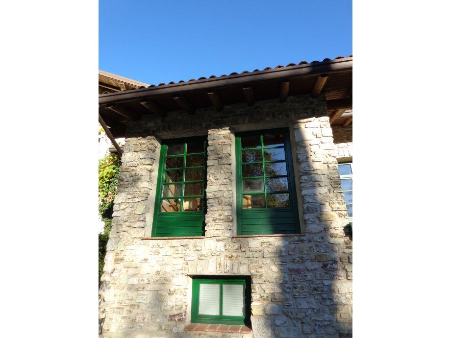 Außensicht des Natursteinhauses - Herzlich willkommen