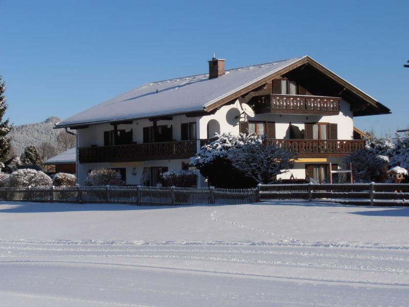 """Ferienwohnung """"Silvia"""" im Gästehaus Huber- Alpenwelt Karwendel"""