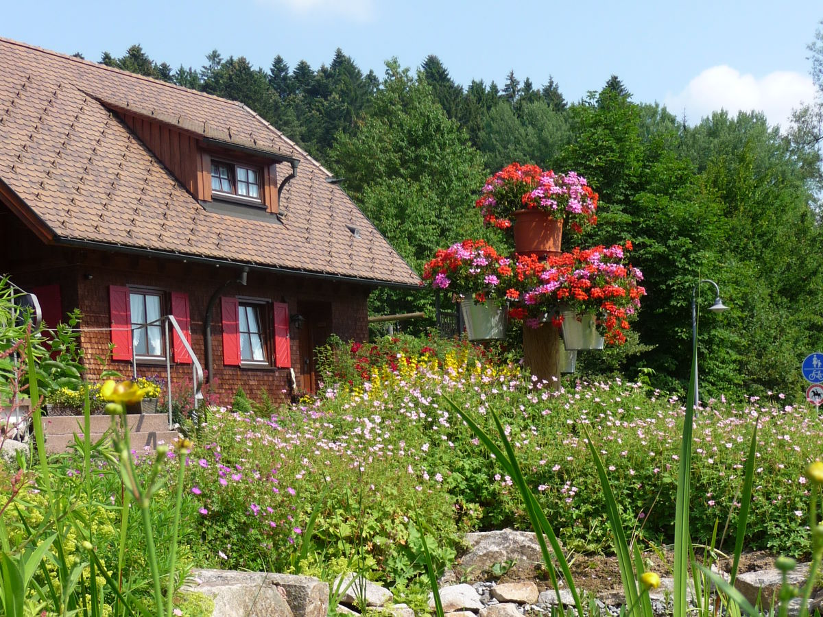 2 zimmer ferienwohnung im landhaus anja freudenstadt frau anja korn. Black Bedroom Furniture Sets. Home Design Ideas