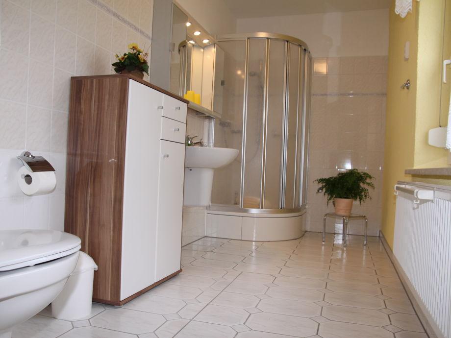 ferienwohnung 2 nahe am badestrand in waren an der. Black Bedroom Furniture Sets. Home Design Ideas