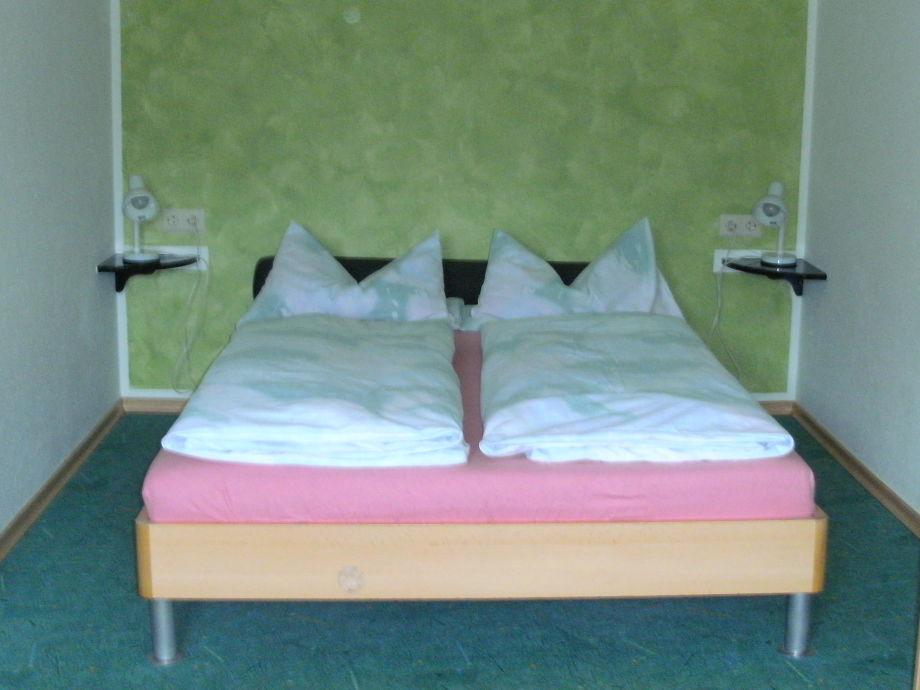 Schlafzimmer Julia – cyberbase.co