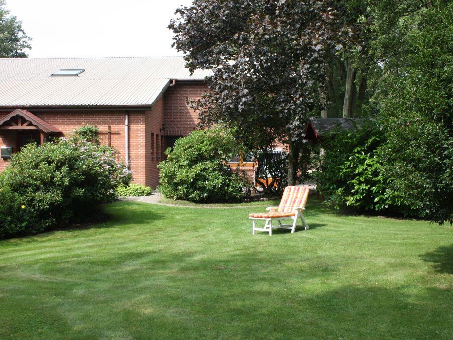 Relaxen Sie im großen Garten