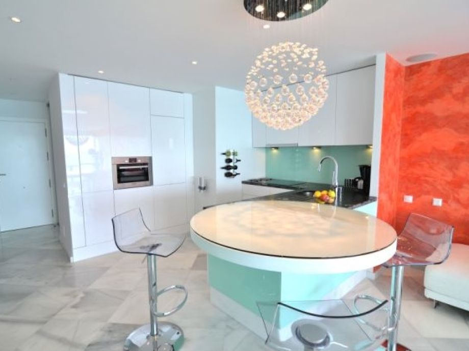 ferienwohnung apartamento malibu am strand m laga. Black Bedroom Furniture Sets. Home Design Ideas