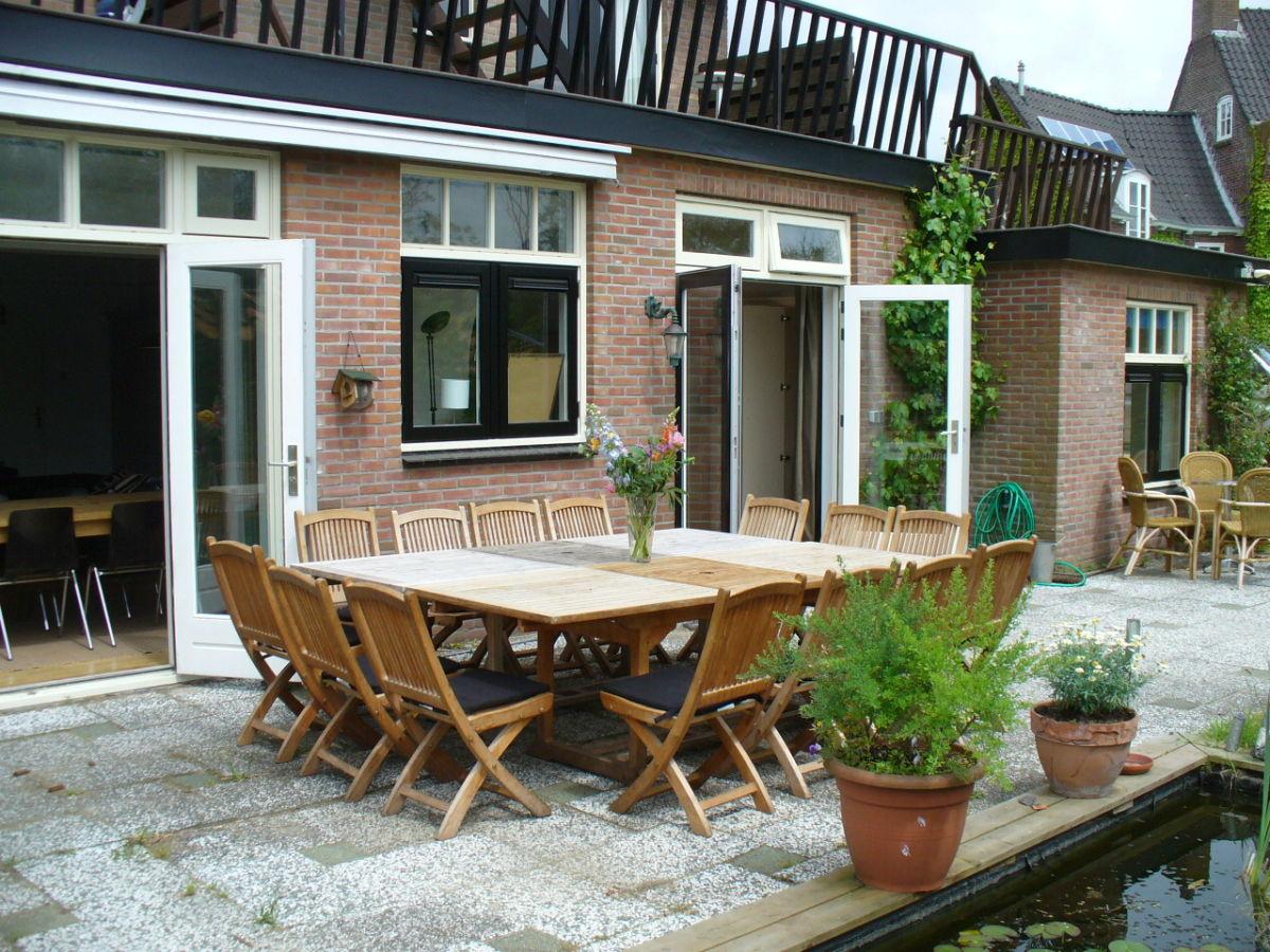 villa flore nord holland bergen aan zee firma strandbergen firma frank und gabriele bilsen. Black Bedroom Furniture Sets. Home Design Ideas