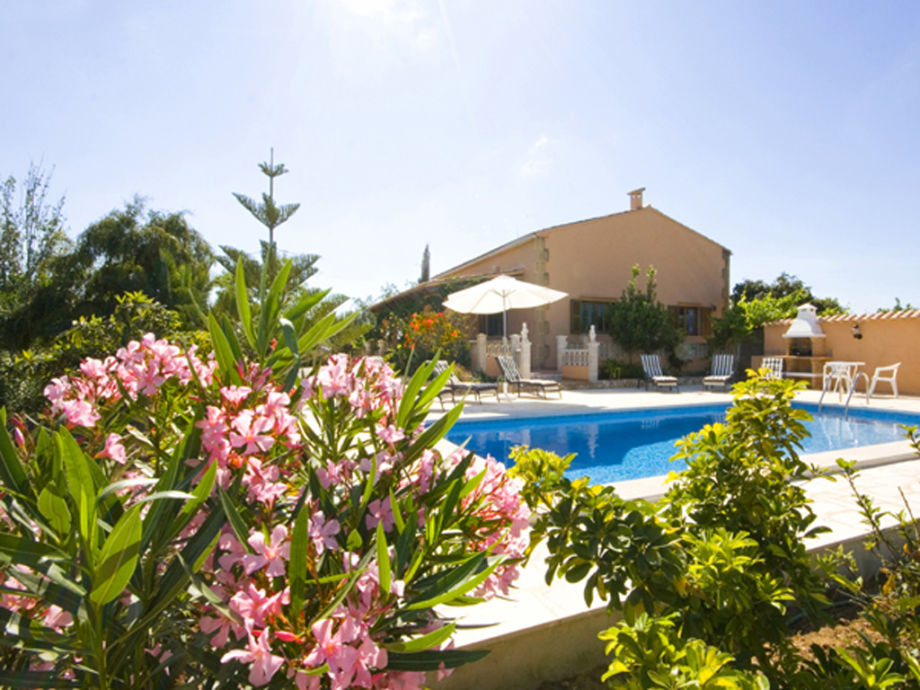 view on private pool an villa