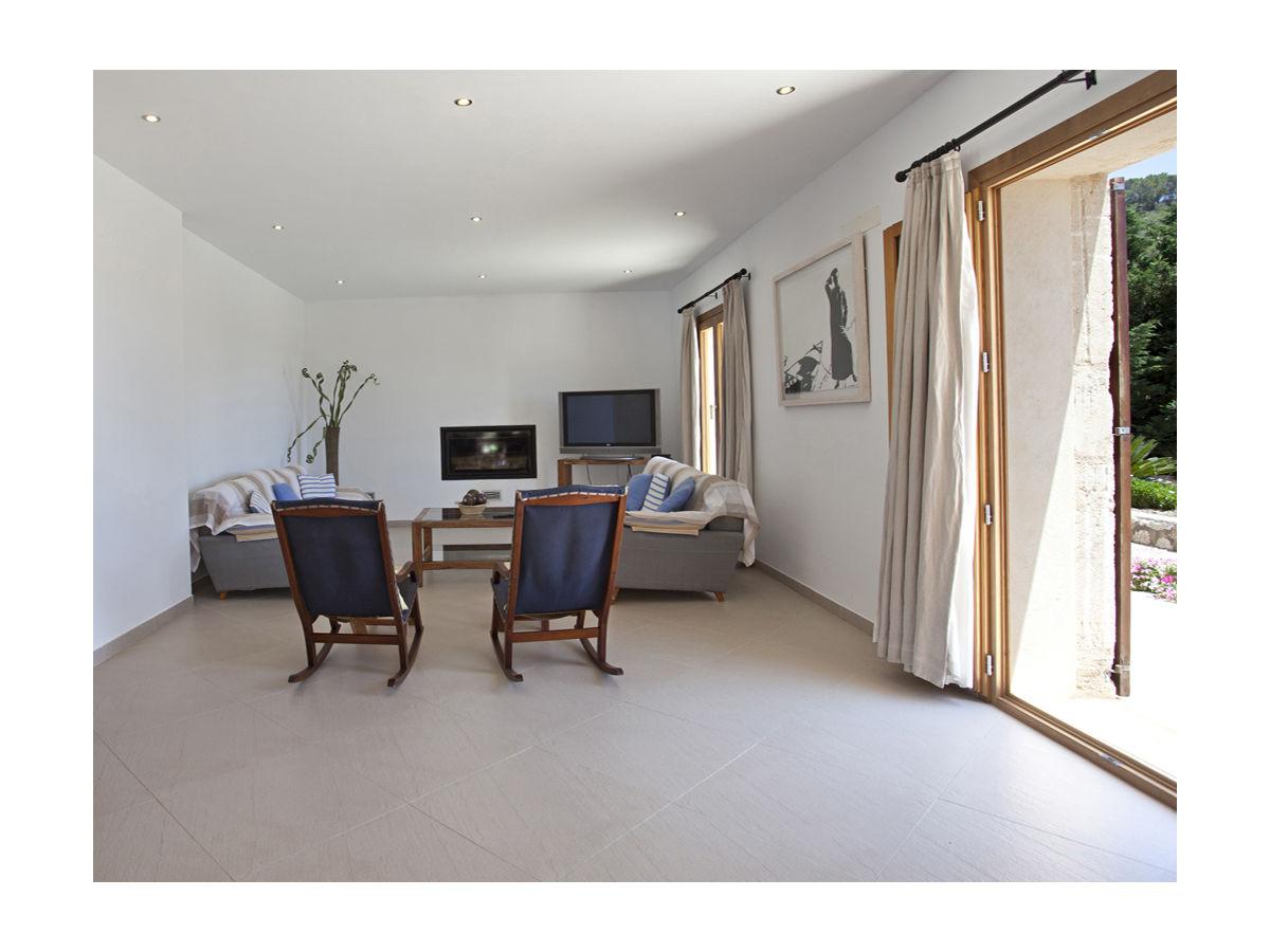 villa ref 140 son servera firma reservatum frau mar a theresa guerrero gabela. Black Bedroom Furniture Sets. Home Design Ideas