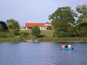 """Ferienwohnung """"Kälberstall"""" auf dem Gut Netzow am See"""