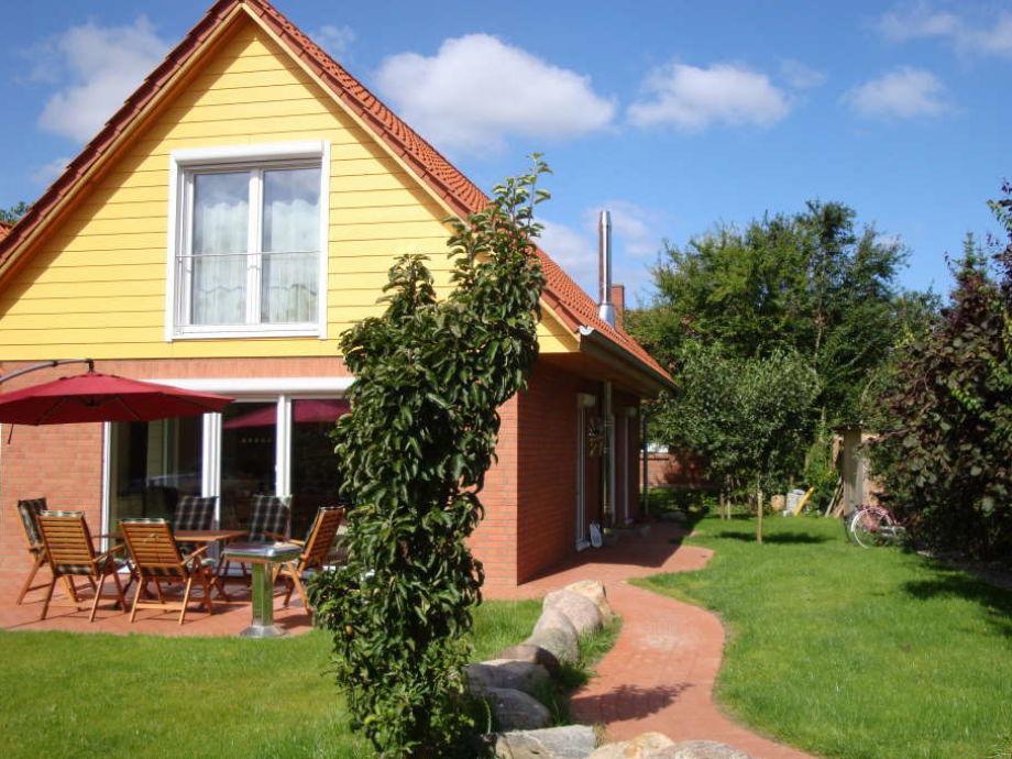 Komfortables Ferienhaus mit großer Terrasse und Garten