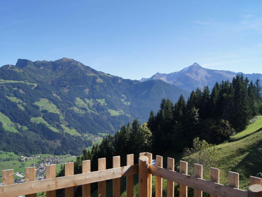 Blick nach Mayrhofen ...
