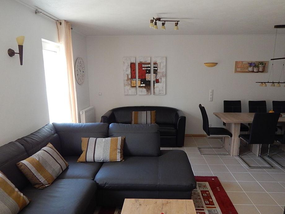 Wohnzimmer mit Wohlfühl-Ambiente und viel Platz