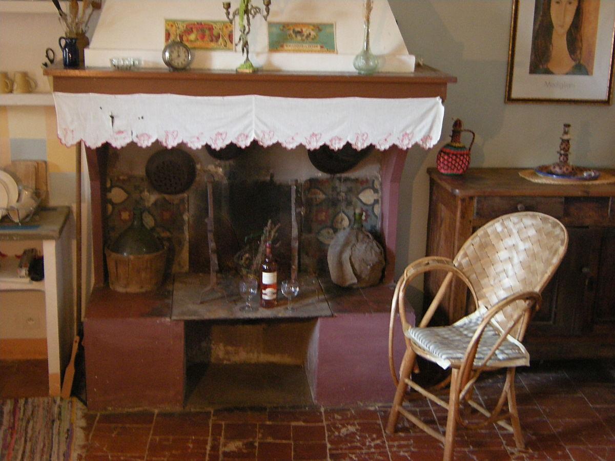 ferienwohnung obergeschoss im petit domaine ferrals les corbi res familie mathias et judith. Black Bedroom Furniture Sets. Home Design Ideas