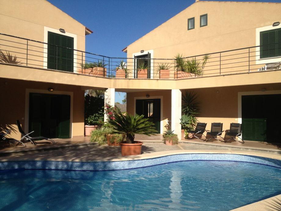 Neubau-Chalet mit Pool