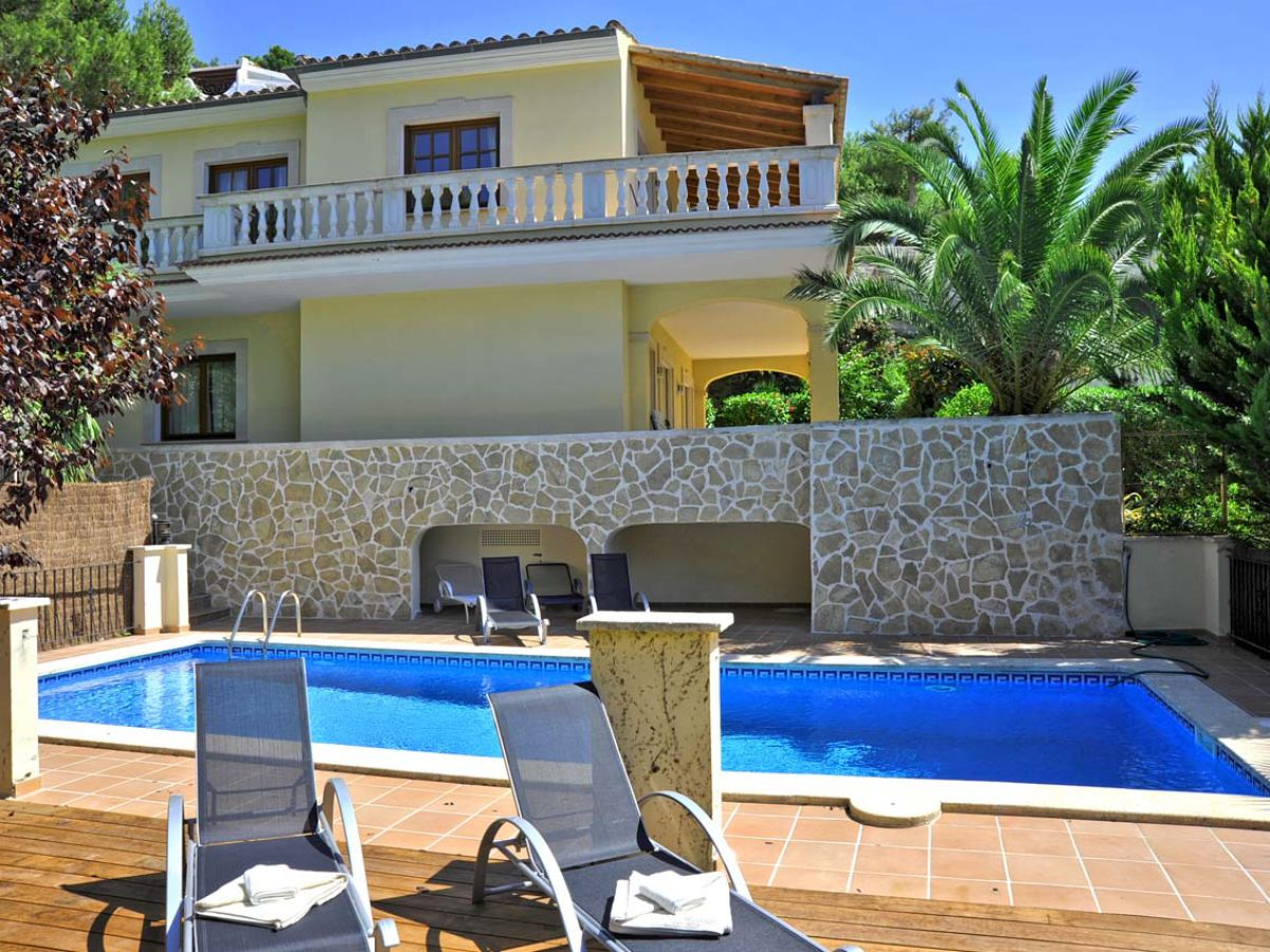 Luxusvilla mit pool  Moderne Luxusvilla mit Pool in Costa de la Calma ID 2342, Mallorca ...