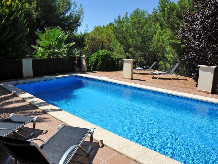 Moderne luxusvilla mit pool  Moderne Luxusvilla mit Pool in Costa de la Calma ID 2342, Mallorca ...